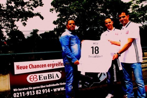 3f73d832e80 رجل أعمال مغربي يدعم فريق لكرة القدم بالمانيا - ضفاف